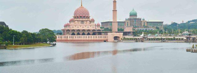 بكدج سياحي الي ماليزيا لشخصين 5 ايام 4 ليالي